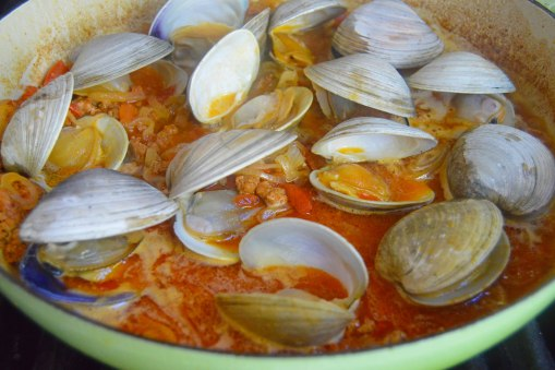clams in white wine butter sauce