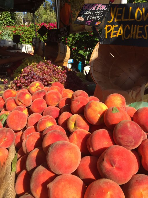 farmer's market peaches