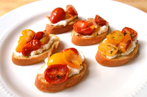 ricotta-and-roasted-tomato-crostini_forweb